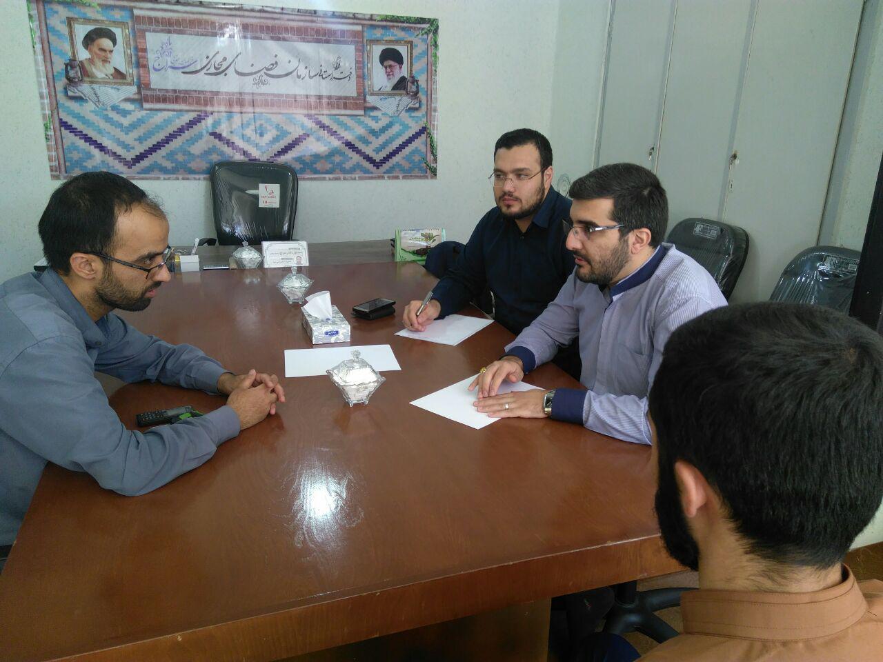 دیدار نماینده بسیج دانشآموزی با مسئول دفتر استانی سراج
